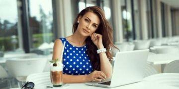 Phụ nữ thông minh thường lấy chồng muộn, lý do vì sao?