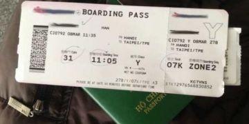 Check-in cùng chiếc vé máy bay lên mạng xã hội là việc làm thật sự dại dột