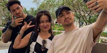 """Mẹ 2 anh em Việt kiều Đức bày tỏ cảm xúc sau màn công khai giới tính cực sốc của con trai ở """"Người ấy là ai"""""""
