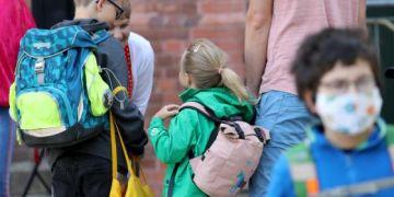 Đức đóng cửa hai trường học do coronavirus mới