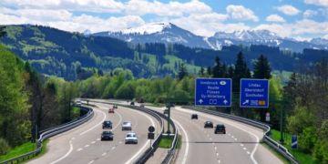 Autobahn – cao tốc không giới hạn tốc độ ở Đức