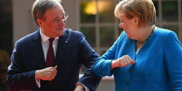 Thủ tướng Angela Merkel ủng hộ thủ hiến bang đông dân nhất làm người kế nhiệm