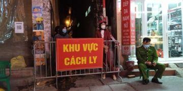 Hà Nội ghi nhận 2 F0 cộng đồng, phong tỏa tạm thời một ngõ đường Giáp Bát